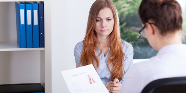 empleo-buscando-mujer-profesional-empleador
