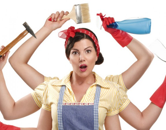 photodune-5179395-pretty-very-busy-multitasking-housewife-on-white-s-576x450